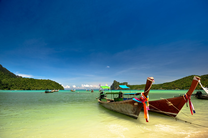 Boote in Patong Beach (Phuket)